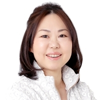 KAORI TAKEHANA portrait